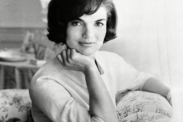 Jackie Kennedy, culisele unei vieti tumultoase